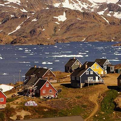 Iceland-cruise-village houses